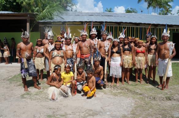 Grupo de danças da Comunidade Ilha das Flores - Alto Rio Negro